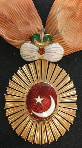 Ordre du Croissant, bijou en or de forme...