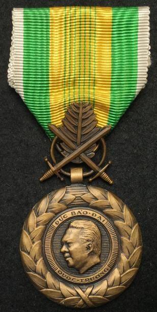 État du Vietnam - Médaille du Mérite Militaire,...
