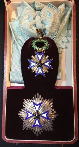 Ordre de l'Étoile Noire, fondé en 1889, ensemble...