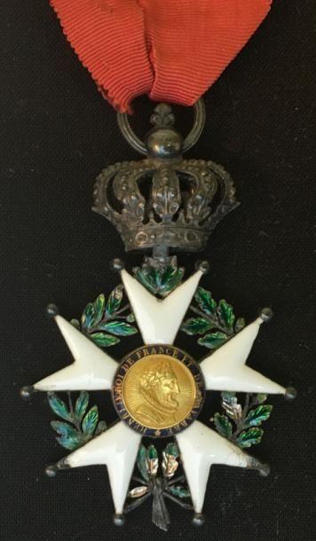 Restauration, étoile de chevalier en argent...