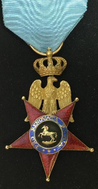 Bijou de chevalier du 2e type en or et émail,...