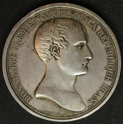 Grande médaille en argent au profil de Bonaparte...