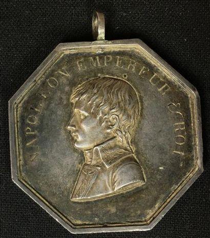 Médaille de prix, octogonale en argent au...