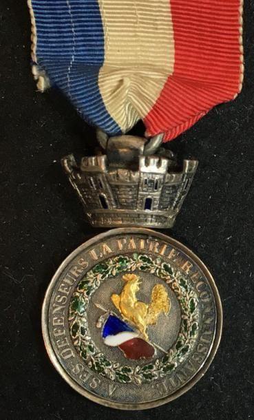 Médaille de Juillet, modèle de luxe en demitaille...