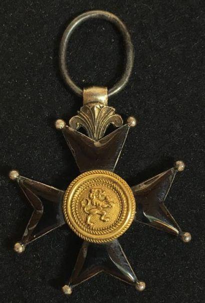 Croix de fer, instituée en 1833, croix à...