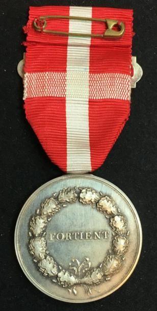 Médaille du Mérite, créée en 1792, médaille d'argent au profil de Christian X par...