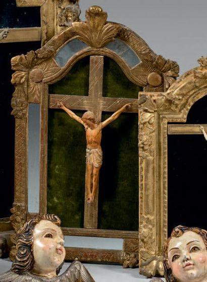 Christ en ivoire autrefois, polychrome, le...