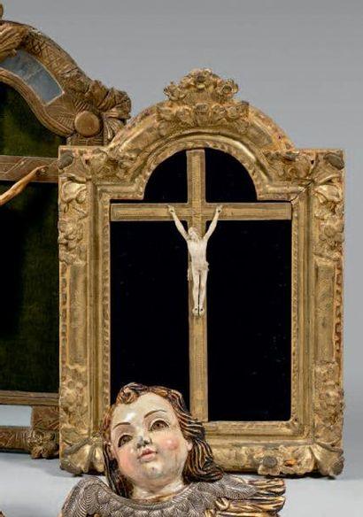 Petit Christ janséniste en ivoire, le périzonium...