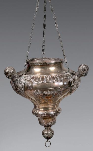 Lampe de sanctuaire en argent à trois montants...