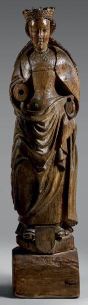 Statue d'une Sainte reine couronnée en chêne,...