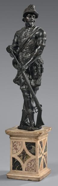 Grande statuette en bronze à patine noire...