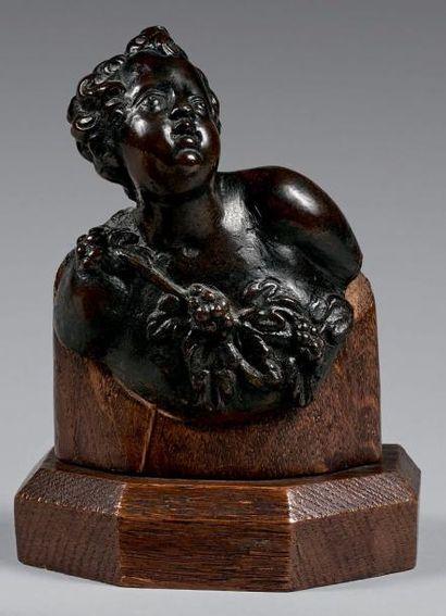 Buste de jeune Bacchus aux pampres en bronze...