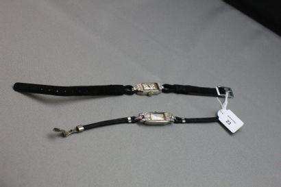 Lot comprenant: deux montres-bracelet de...