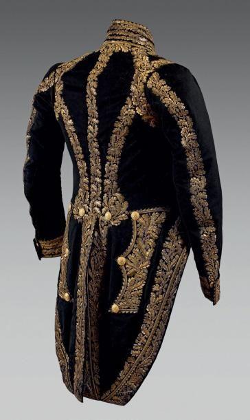 Rare uniforme de Maréchal de France du Maréchal Reille. En drap bleu national profusément...