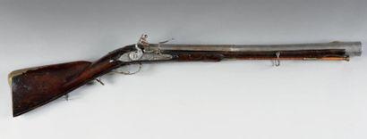 Tromblon de chasse à silex de «Buechenberger». Canon rond largement évasé à la bouche...