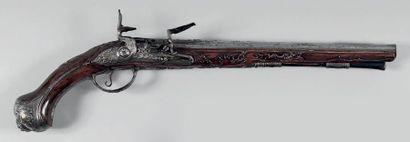Long pistolet d'arçon à silex. Canon rond...