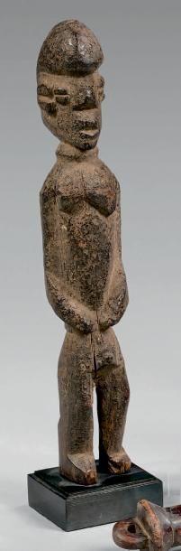 Lot de deux statuettes: - Lobi, Burkina Faso....