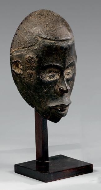 Masque Idoma ikpobi (groupe akweya), Nigeria....