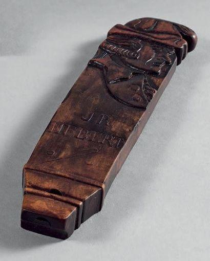 Sifflet révolutionnaire en Bois patiné sculpté d'un personnage au bonnet de la Liberté,...