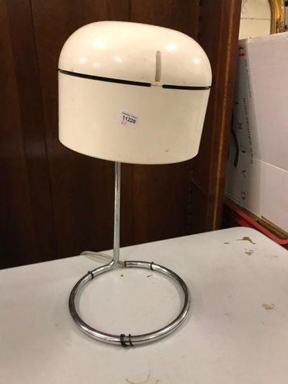 Lampe design en bakélite.