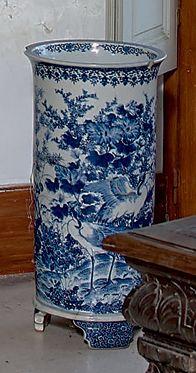Porte-parapluies cylindrique en porcelaine...