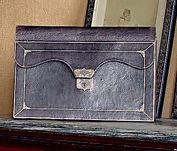 Portefeuille en cuir violet doré aux petits...