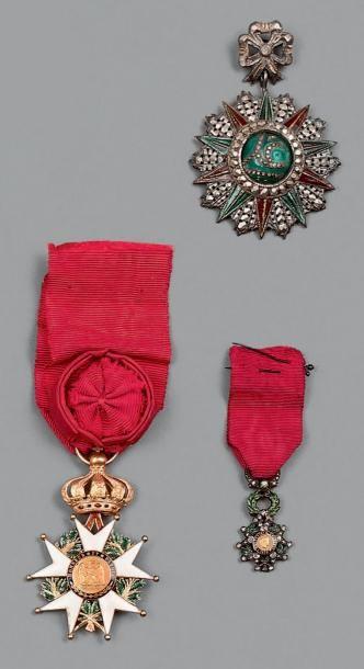 France, lot de six étoiles de la Légion d'Honneur...
