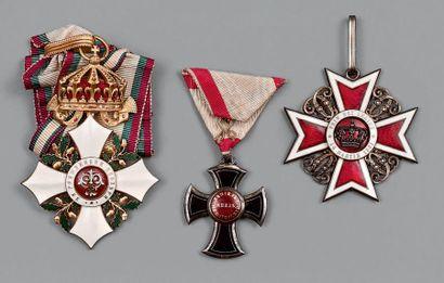 Europe de l'Est, lot de trois décorations...