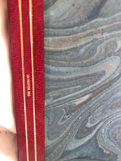 Environ deux cents volumes reliés: littérature XIXe siècle, dos basane rouge. Environ...