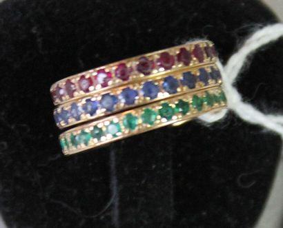 Ensemble comprenant: trois anneaux en or...