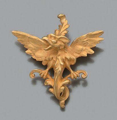 Broche «chimère» en or jaune 750 millièmes....
