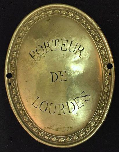 Lourdes, plaque de brassard ovale en métal...
