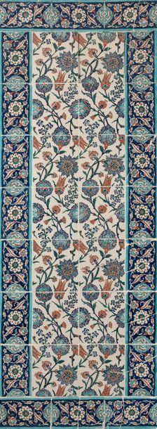 Panneau en céramique à décor floral, Turquie...