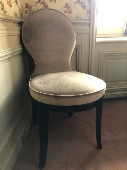 11 chaises garniture tissu gris, pieds bois...