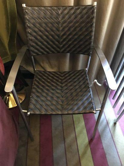 59 fauteuils en acier, garniture tressée