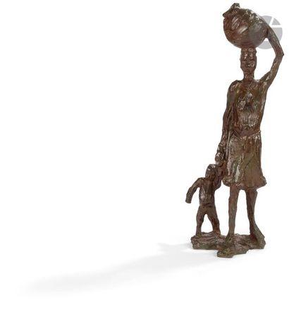 L. BERRONE (XXe) Africaine à l'enfant portant...