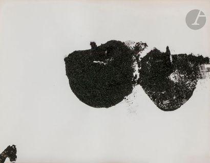 Pommes, vers 1980 Poudre de charbon sur papier....