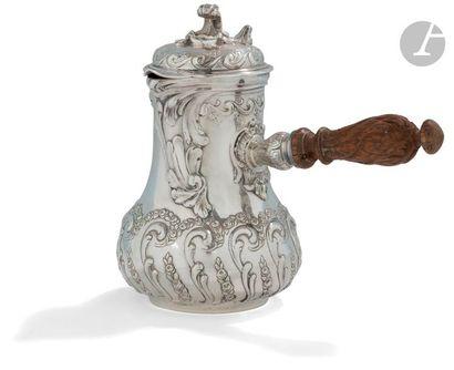 PARIS 1773 Verseuse marabout en argent surdécorée...