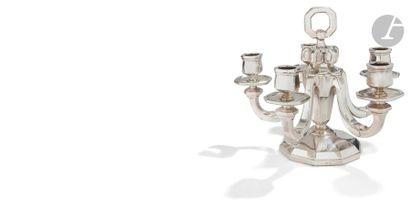 KELLER 1930 - 1940 Paire de bouts de table en argent fondu à cinq bras de lumière,...