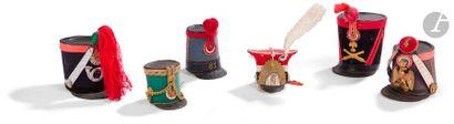 Six coiffures miniatures dont shapska de...