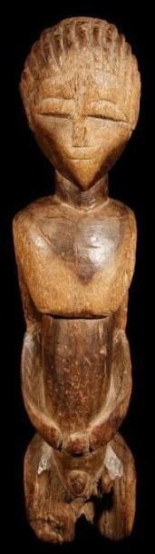 Statue LOBI (R. Côte d' Ivoire). Buste puissant,...