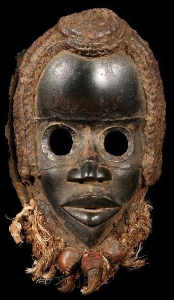 Masque DAN (R. Côte d'Ivoire). Masque de tres belle ancienneté présentant les caractères...