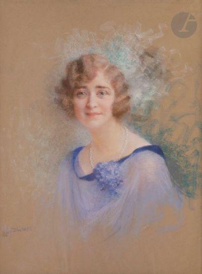 Lucien LéVY-DHURMER (1865-1953) Jeune femme au collier de perles Pastel. Signé en...