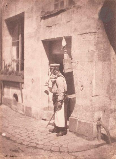 Charles Nègre (1820-1880) Le marchand de coco. Paris, 1852-1853. Épreuve sur papier...