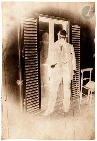 Charles Nègre (1820-1880) Portrait d'homme devant une porte-fene?tre, c. 1852. Positif/Négatif...