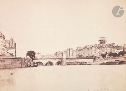 Charles Nègre (1820-1880) Paris, c. 1852. Ancien pont suspendu d'Arcole et restauration...