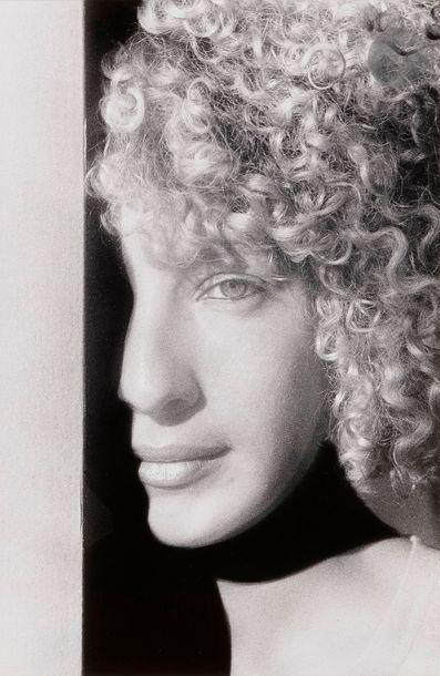 Ralph Gibson (1939) Jeune fille, 1980. Épreuve...