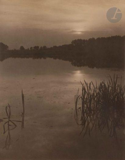 Josef Sudek (1896-1976) Le marais au crépuscule,...