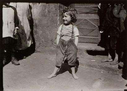 Lewis Hine (1874-1940) Paris Gamin. Paris,...