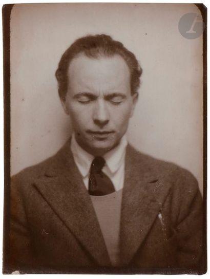 Louis Aragon (1897-1982) Autoportrait les...